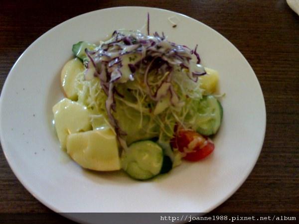 【義大利麵推薦】學生聚會平價 ➽ LIN義式餐坊 の 青醬野蔬義大利麵 (台中/西區) – 蛋奶素