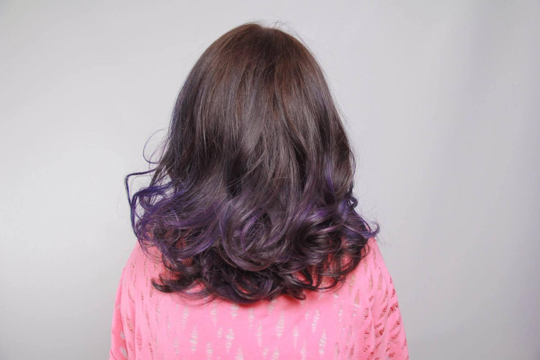➽體驗。超級推薦 環境燈光美 設計師服務好 染髮後還會送上一杯特調冰滴咖啡 Wesley Danyin Hair Salon  W.D. の 漂髮 & 挑染 & 染髮 & 護髮(霧感咖啡/藍紫色)