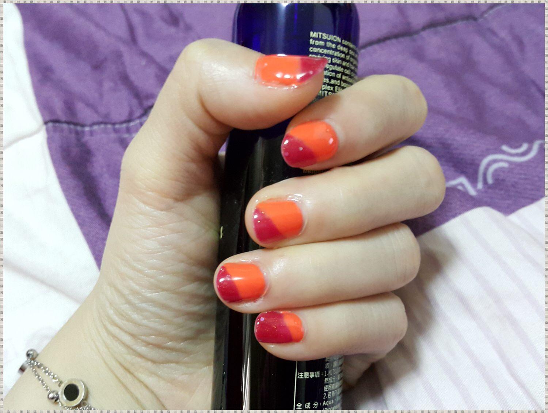 ➽美甲。UNT の 過年幫指甲穿新衣 UV370(活動像個動詞)+ 亮紅