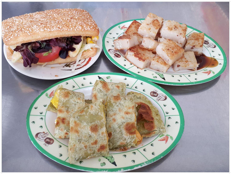 【中式早餐推薦】平價 快速 每天都有不一樣色彩的蛋餅皮 ➽ 幸福廚房早午餐 の 乳酪千層燒餅 & 杏鮑菇蘿蔔糕 & 起司蛋抹茶蛋餅  (台中/西區) – 素食