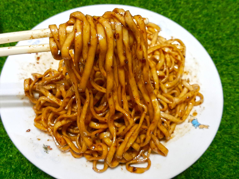 【中式/快煮】超級推薦 飄香四溢 吃了無敵過癮 ➽ 黑師父 の 牛逼麵 & 合意給力麵 – 葷食