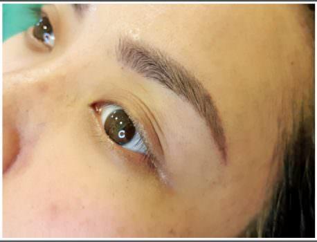 【台中霧眉推薦】懶人必備法寶 省了畫眉粉的時間 ➽ 首爾美睫紋繡沙龍學院 の 精雕粉霧眉