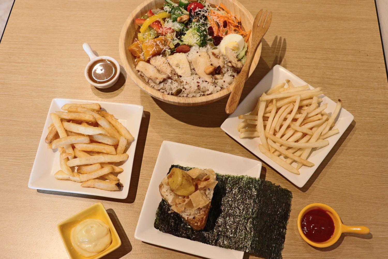 受保護的內容: 【日式烤飯糰推薦】 三口飯糰 の 杏鮑菇飯糰 & 素食沙拉(舒食便當) & 風味薯條 & 蜂蜜芥末脆薯 (台中/南屯區) ➽ 三角飯糰專家就是在這裡,不論飯糰還是舒食便當都超級美味 – 五辛素